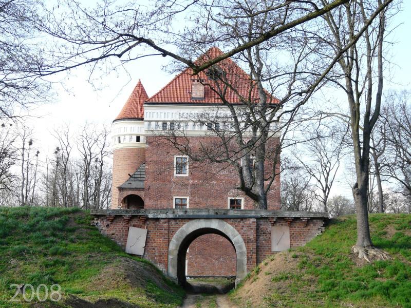 2008-2016_renowacja_poludniowa brama-1